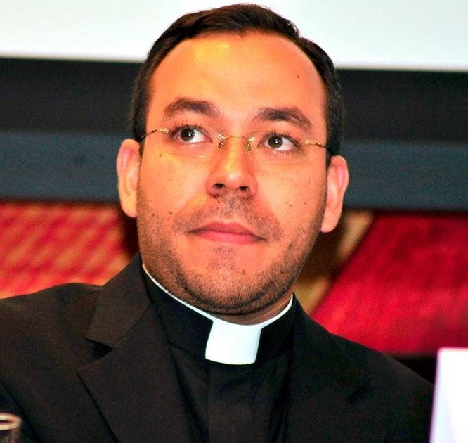 Pe. Vinícius Guimarães de Andrade